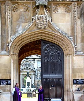 cambridge-food-tour-entrance-kings-college-cambridge